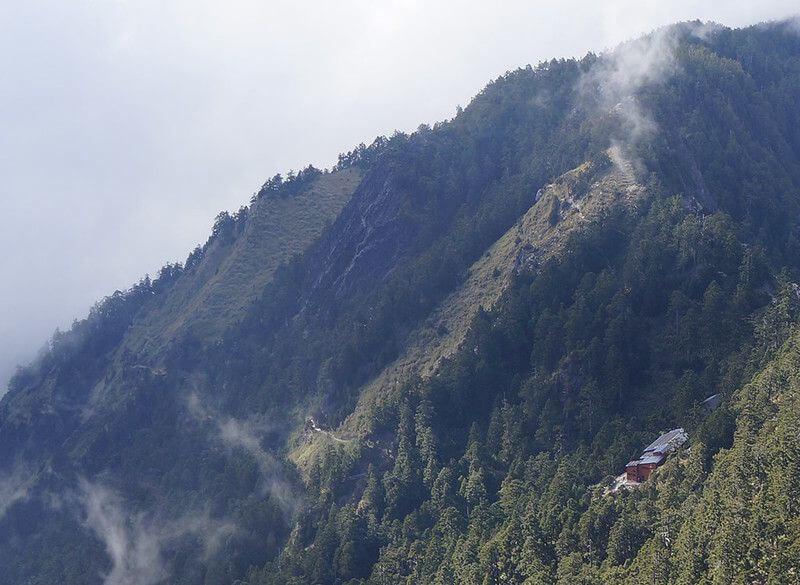 反對排雲山莊因餐旅經營需求擴電