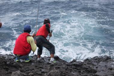 成功鎮海釣記事:愛憎難分的人海關係